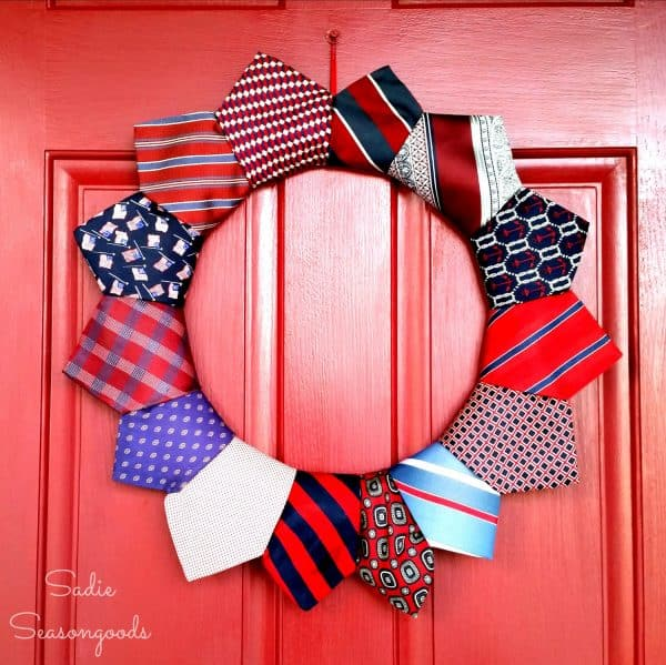 DIY repurposed tie wreath for 4th of July. More holiday wreath ideas on DuctTapeAndDenim.com