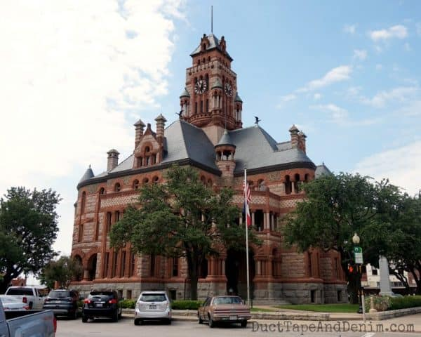 Ellis County Courthouse, Waxahachie, Texas, downtown square | DuctTapeAndDenim.com