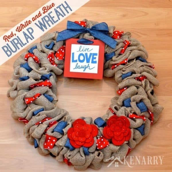 Red, white, and blue burlap wreath. More wreath projects for the holidays on DuctTapeAndDenim.com
