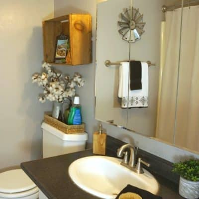 How to Organize & Update a Small Farmhouse Bathroom for Summer