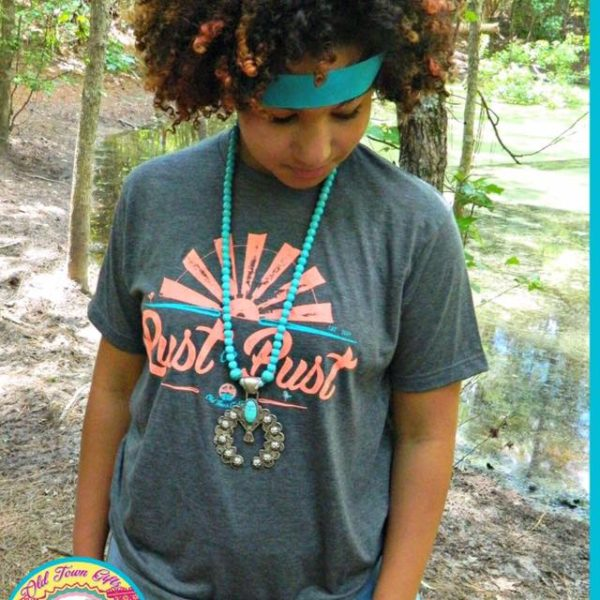 Rust or Bust T-shirt, perfect for antiquing, vintage shopping, junkin', flea markets | DuctTapeAndDenim.com