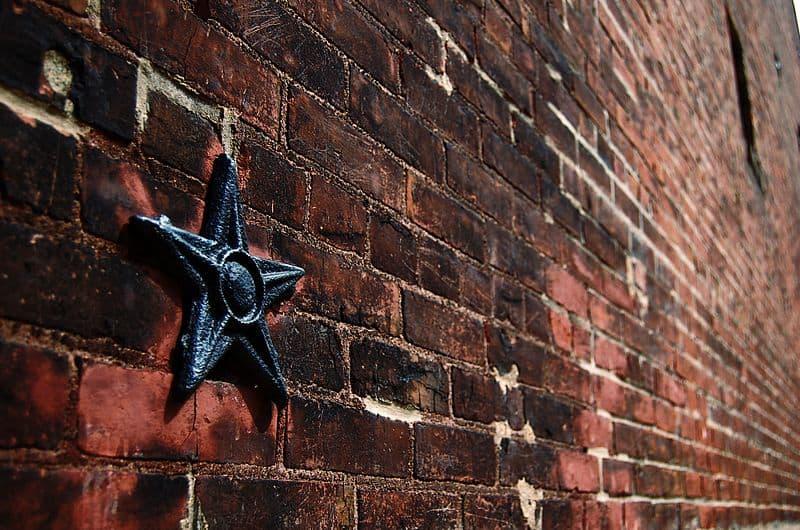 Anchor star in Soulard_St_Louis