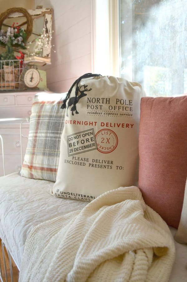 easiest diy christmas pillow ever