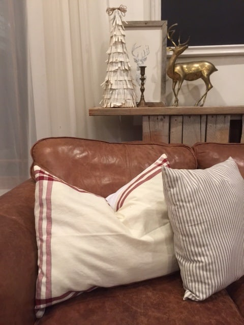 how to make a christmas pillow from a kitchen towel