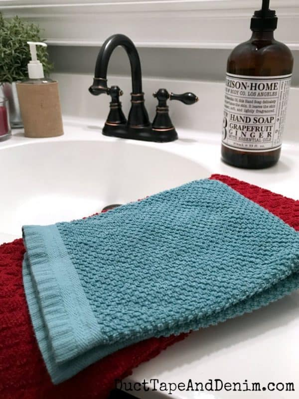 Close up on my new towels, small bathroom makeover | DuctTapeAndDenim.com