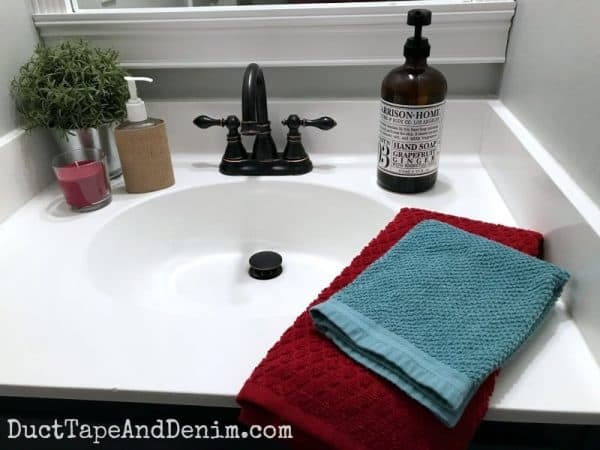 Finished sink in my farmhouse style small bathroom makeover | DuctTapeAndDenim.com