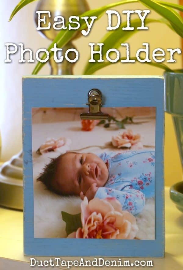 Easy DIY wood photo holder, great gift idea for grandparents, Christmas gift for grandparents | DuctTapeAndDenim.com