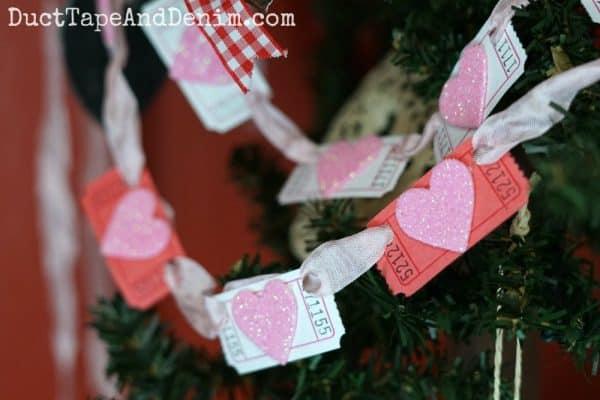 Glitter heart garland | DuctTapeAndDenim.com