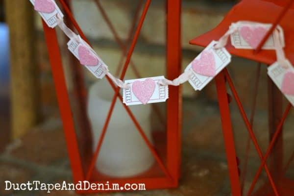 Glitter heart valentine garland | DuctTapeAndDenim.com