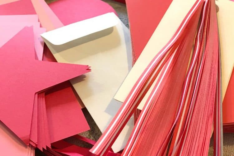 Valentine's day crafts with paper scraps SQUARE