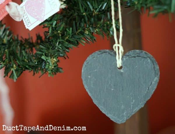 chalkboard heart ornament | DuctTapeAndDenim.com