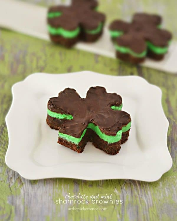 Chocolate-and-Mint-Shamrock-Brownies-