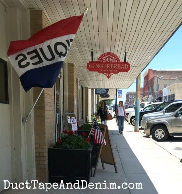 Gingerbread Antique store in downtown Waxahachie Texas | DuctTapeAndDenim.com