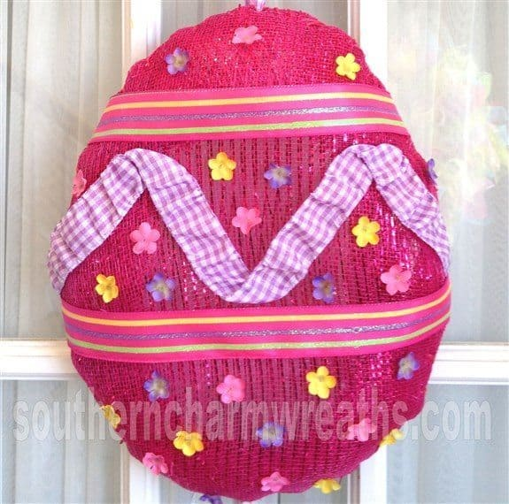 make-deco-mesh-easter-egg-wreath-42a