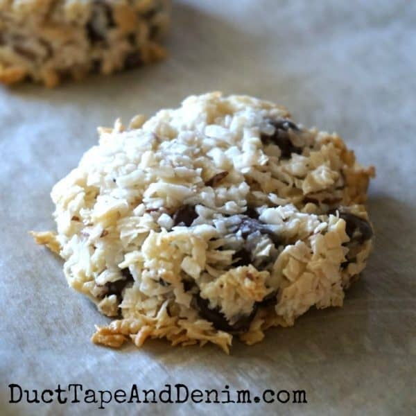Easy cookie recipes, Almond Joy coconut chocolate cookies | DuctTapeAndDenim.com