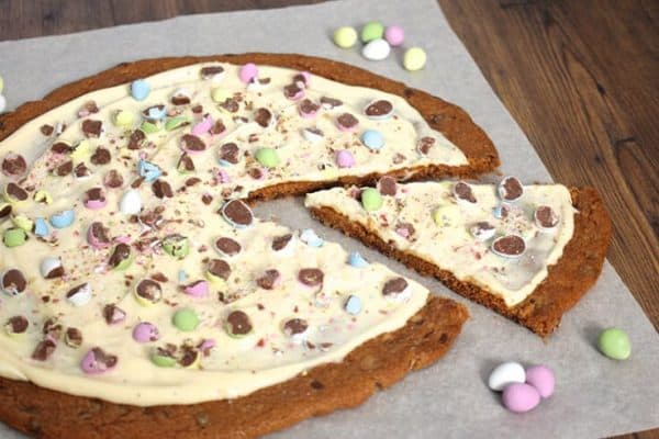 easter-egg-cookie-pizza-slice