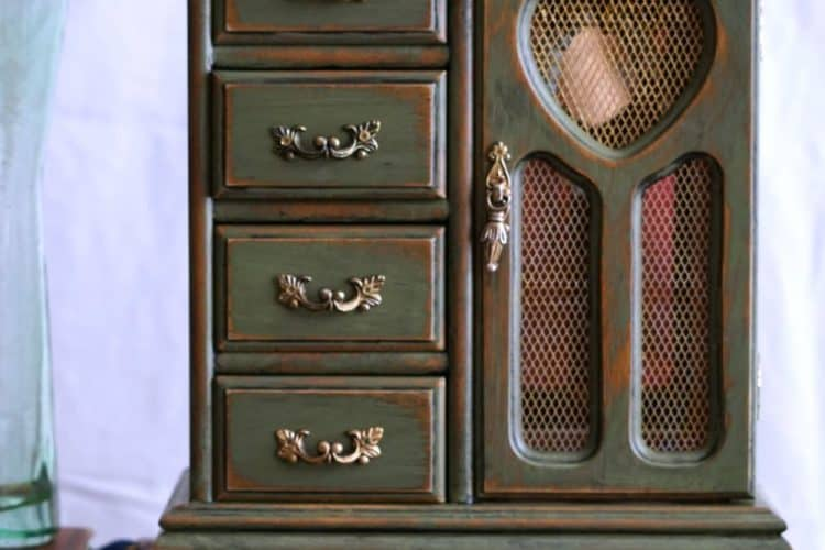 Green jewelry cabinet SQUARE