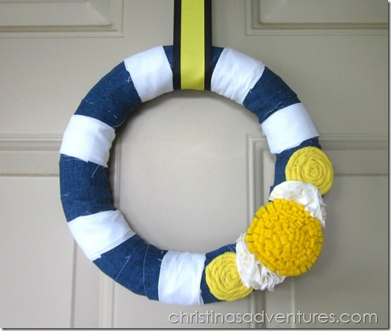 Navy, yellow, and white wreath for summer