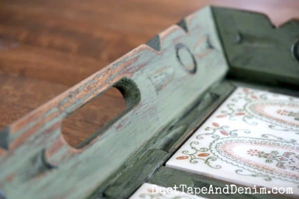 Close up of distressed handle on green tray makeover | DuctTapeAndDenim.com