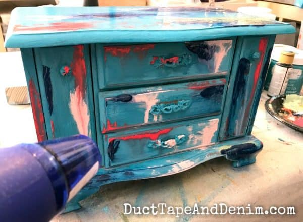 Adding multiple colors to my bohemian paint finish | DuctTapeAndDenim.com