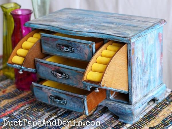 Finished jewelry box in boho paint | DuctTapeAndDenim.com