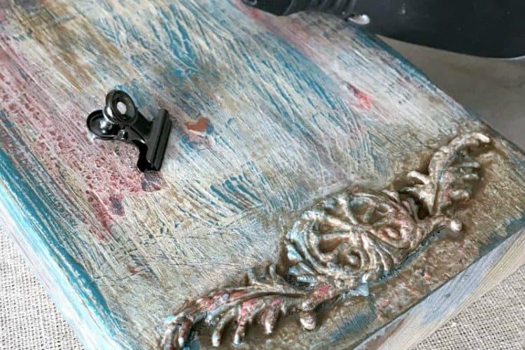 How to Make a Fun Boho Paint Finish Wood Photo Holder {VIDEO}