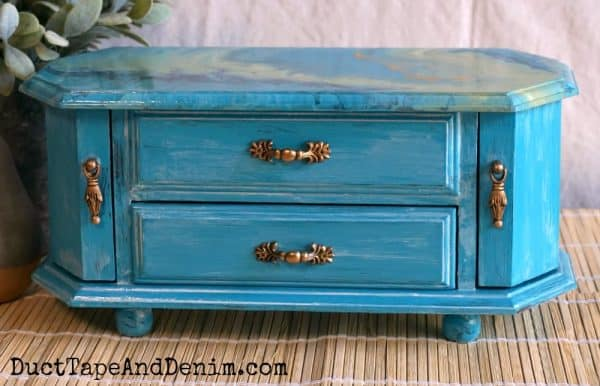 Finished Turquoise paint pour jewelry box with gold handles | DuctTapeAndDenim.com