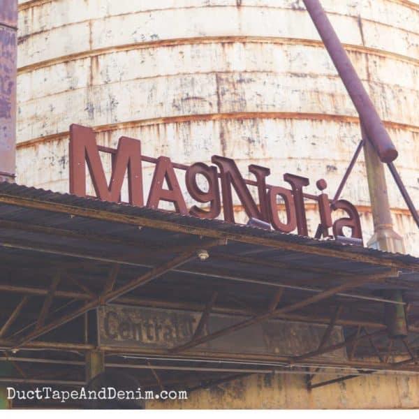 Magnolia Market Sign and Silo | DuctTapeAndDenim.com #silos #magnoliamarket #magnolia #fixerupper #waco