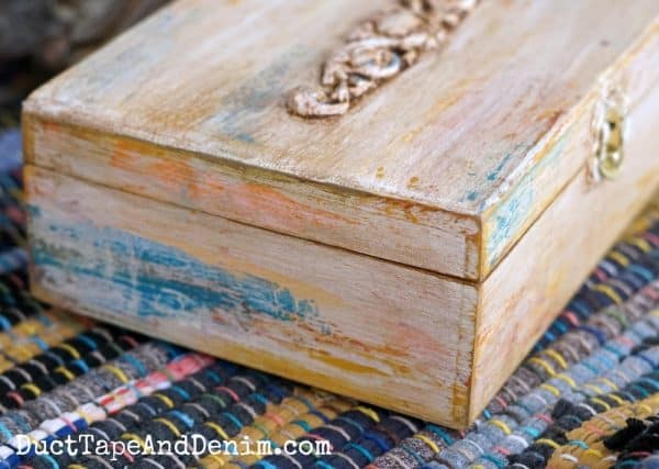 Side of handpainted jewelry box | DuctTapeAndDenim.com