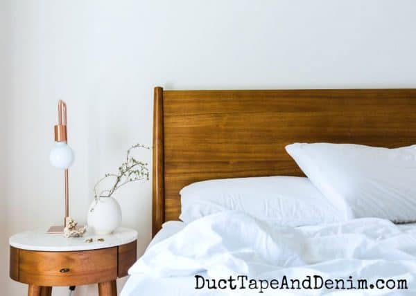 How to deep clean a bedroom | DuctTapeAndDenim.com