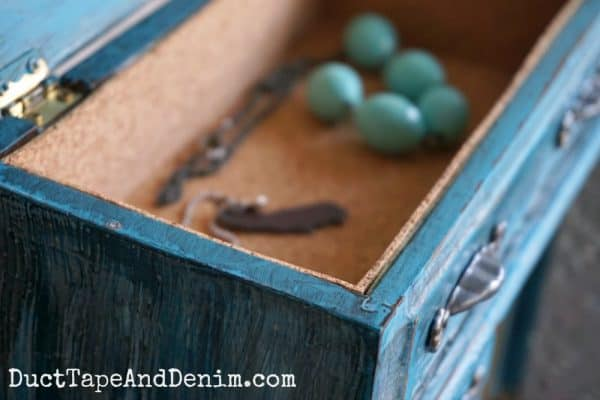 Cork liner inside jewelry box