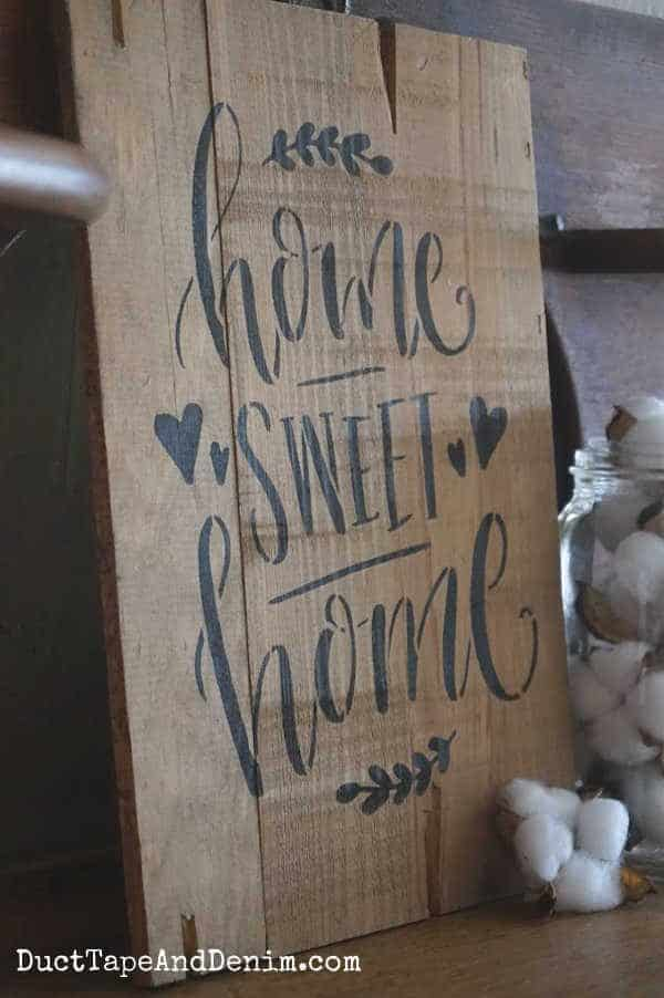 close up home sweet home sign