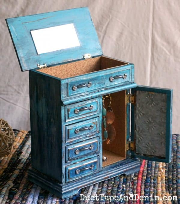 finished turquoise drip jewelry box with open doors