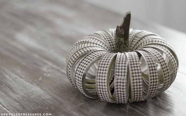 diy-fabric-tape-mason-jar-lid-pumpkin-upcycledtreasures