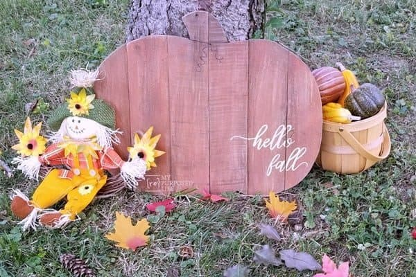 wooden-pumpkin-hello-fall-MyRepurposedLife