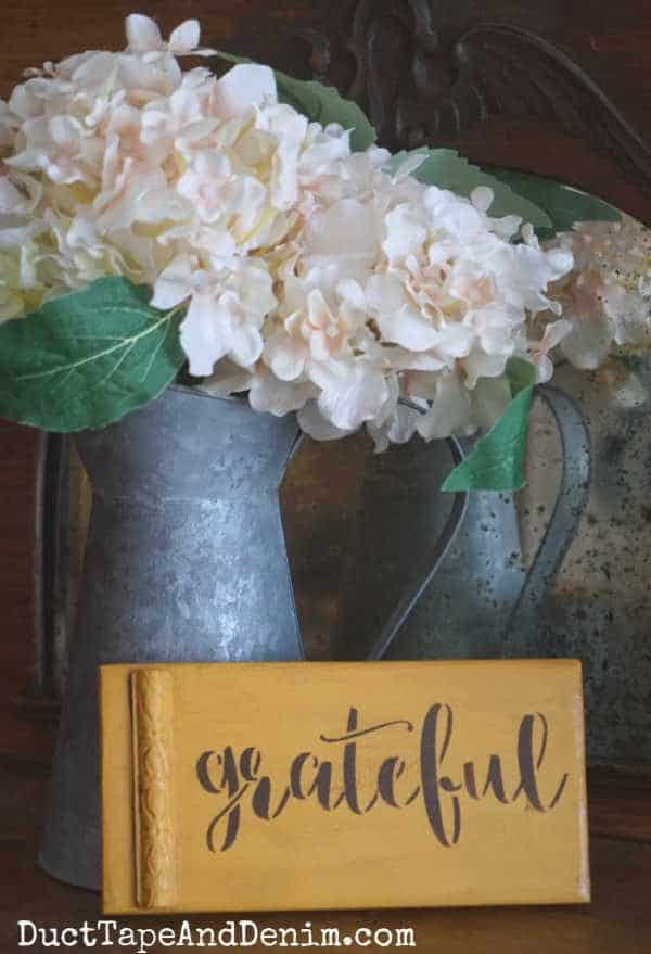 Grateful sign with flowers