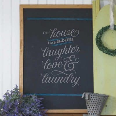 How to Make a Quick & Easy Laundry Sign with Chalk Couture {VIDEO}