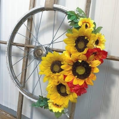 How to Make a Quick Bicycle Wheel Wreath with a Flea Market Find