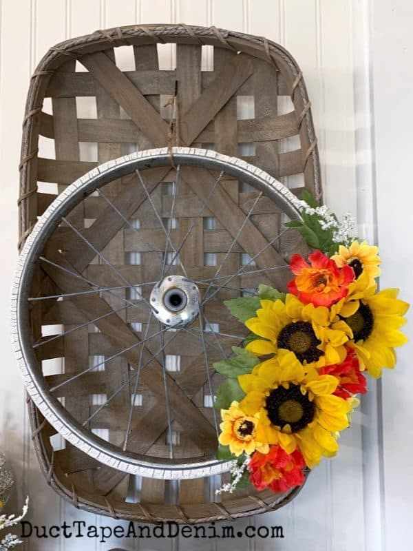 buggy wheel wreath on tobacco basket 1A