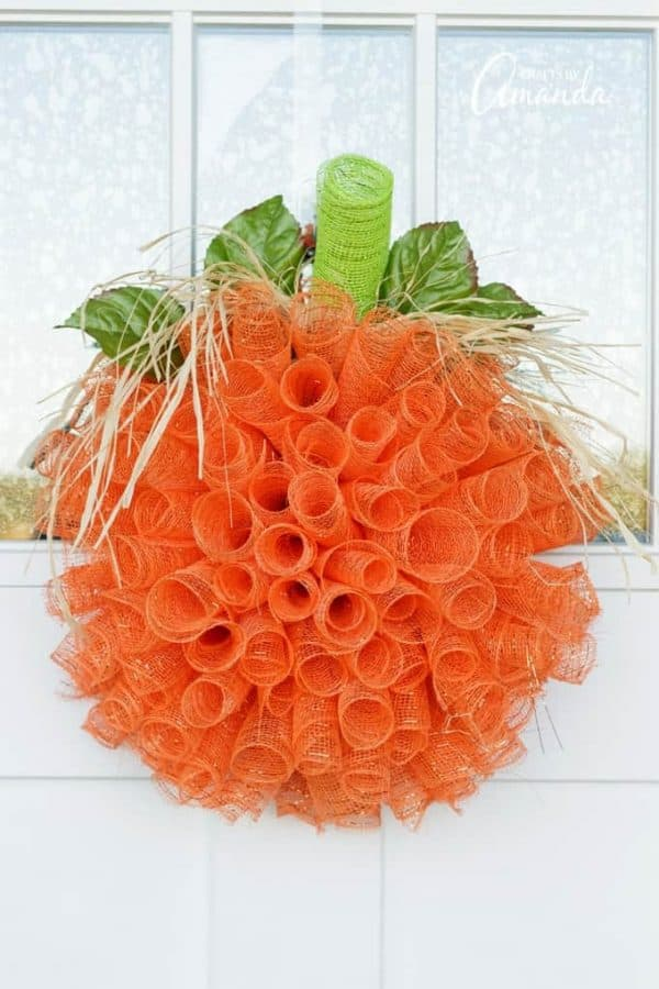 deco-mesh-pumpkin-wreath-V