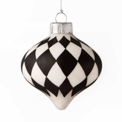 The Easy Way to Decorate a Unique Black and White Christmas Tree