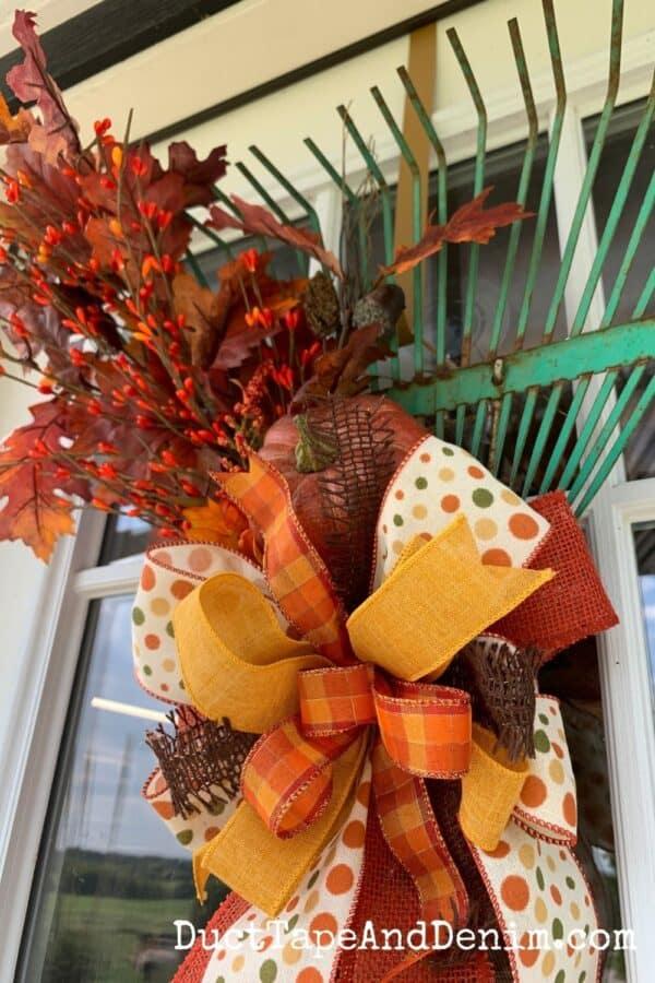 finished fall rake wreath close up