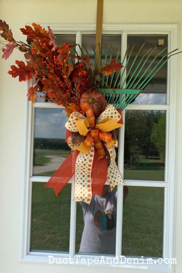 finished rake wreath front view